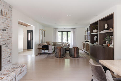 White walls with white ceiling